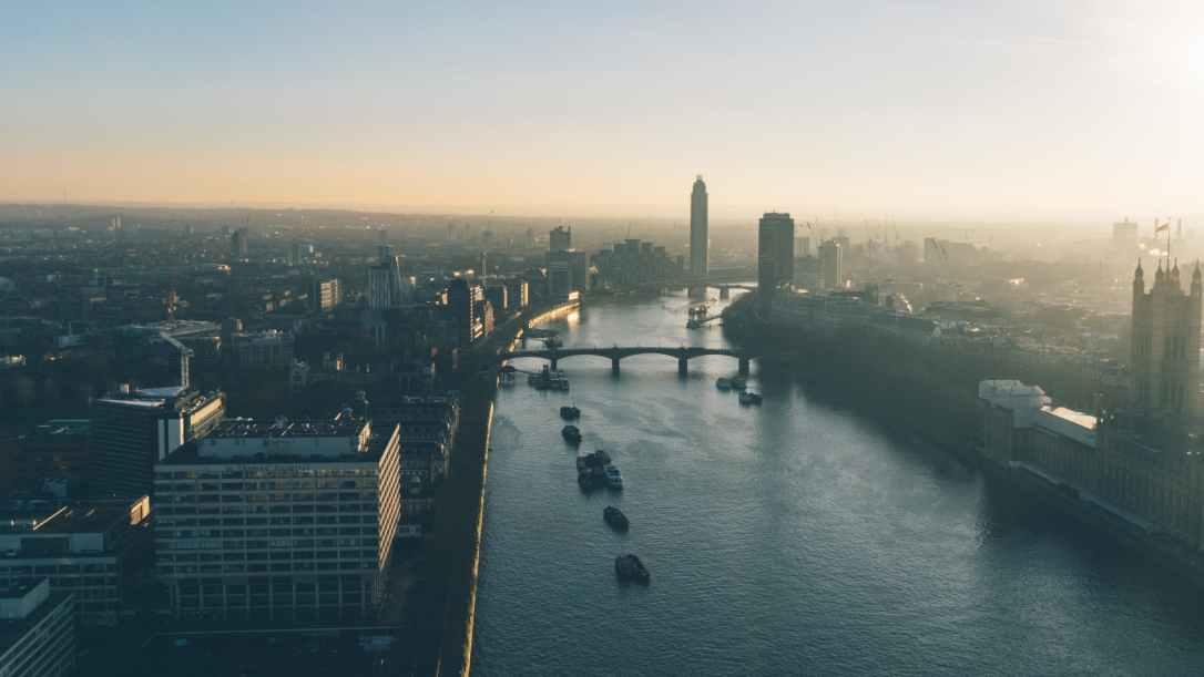 skyline view london thames river